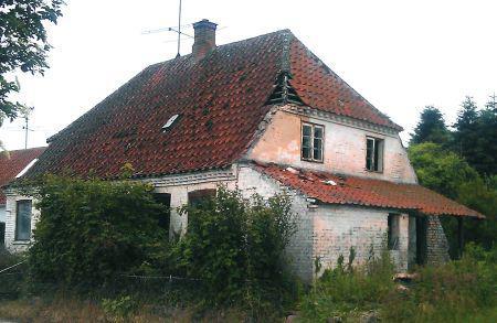 Nedrivning af faldefærdige huse påvirker | BygTek.dk