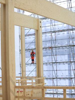 Byg hurtigt og bæredygtigt med krydslamineret træ