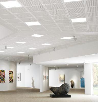 Integreret lys i akustikloftet giver optimalt   BygTek.dk
